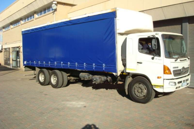 Hino Truck Curtain side HINO SUPER F 15 257 CURTAIN SIDE 2006