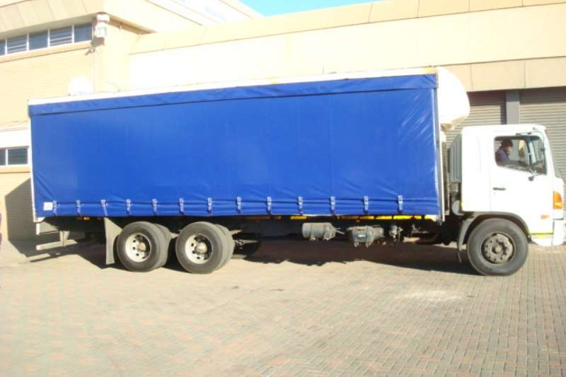 Hino Curtain side HINO SUPER F 15 257 TAUTLINER Truck
