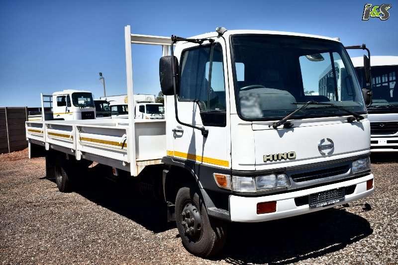 Hino Truck Dropside 10166 5 Ton 2001