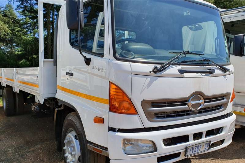 Hino Truck Dropside 15 258 2008