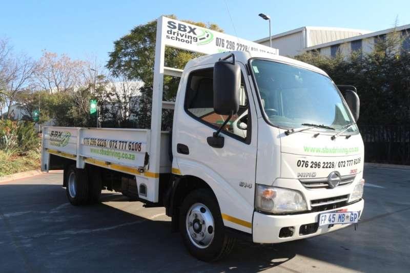 Hino Truck Dropside 300 614 Dropside 2016