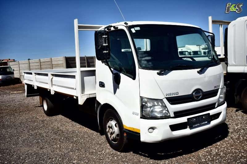 Hino Truck Dropside 300 815 Series 2012