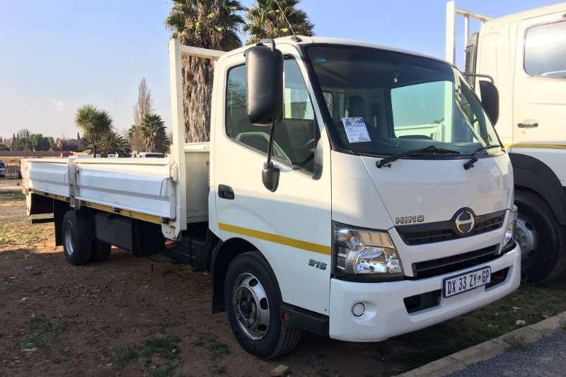 Hino Truck Dropside 300 915 Dropside 2015
