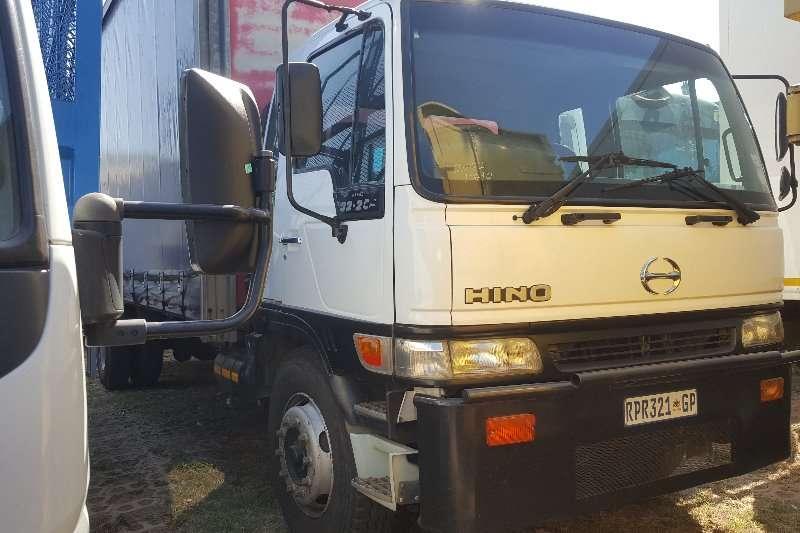 Hino Truck Dropside 32 254 2002