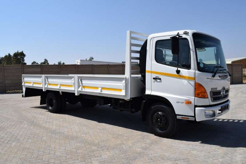 Hino Truck Dropside 500 Series 10176 2005