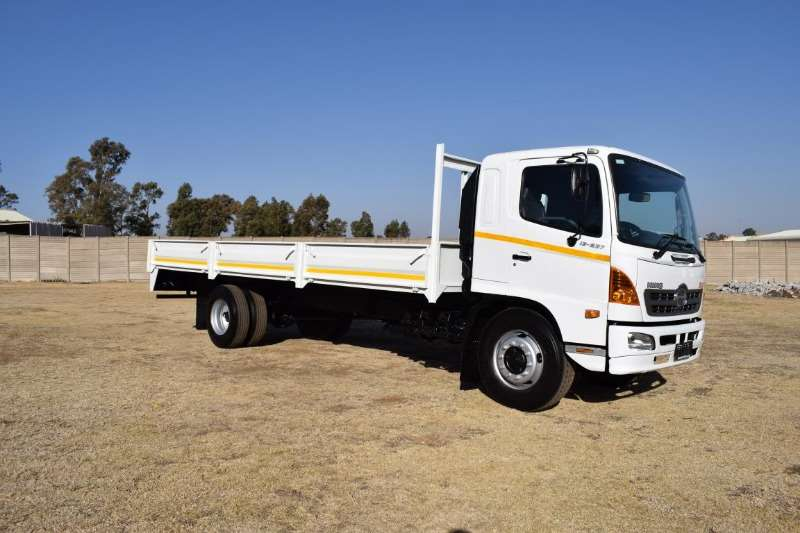 Hino Truck Dropside 500 series 13 237 2007