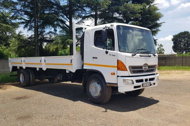 Hino Truck Dropside 500 Series 15 258 2009