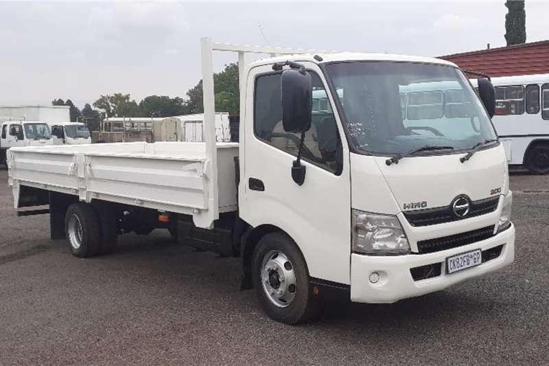 Hino Truck Dropside HINO 300 815 DROPSIDE 2014