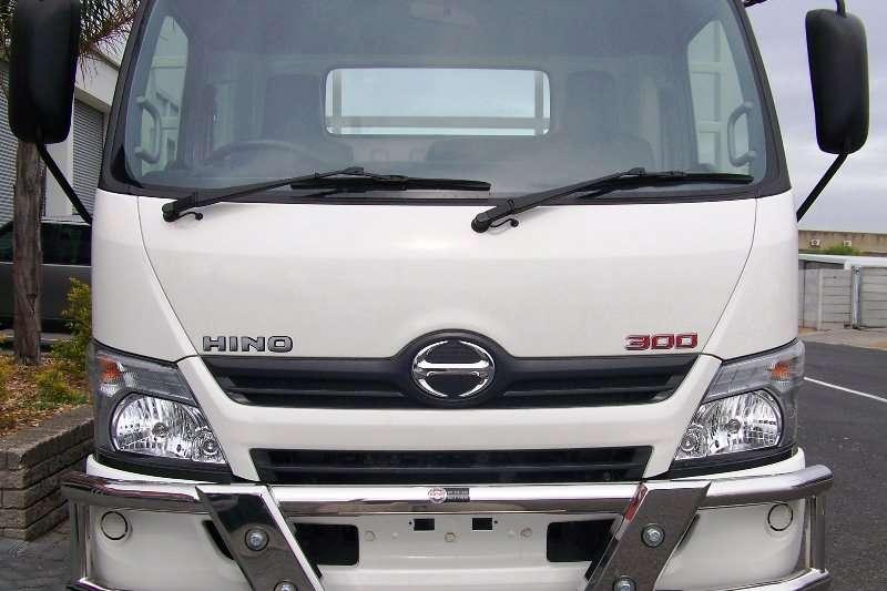Hino Truck Dropside New Hino 300   814 LWB 2019
