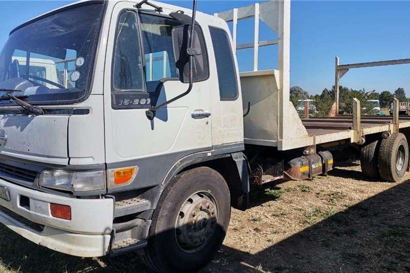 Hino Hino 15.207 flat bed Truck