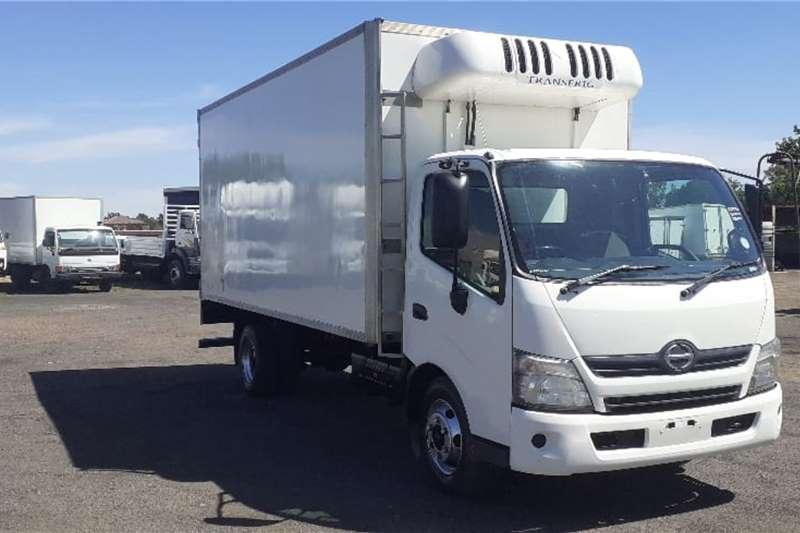 Hino Truck HINO 30 815 FIRDGE BODY THERMOKING 2013