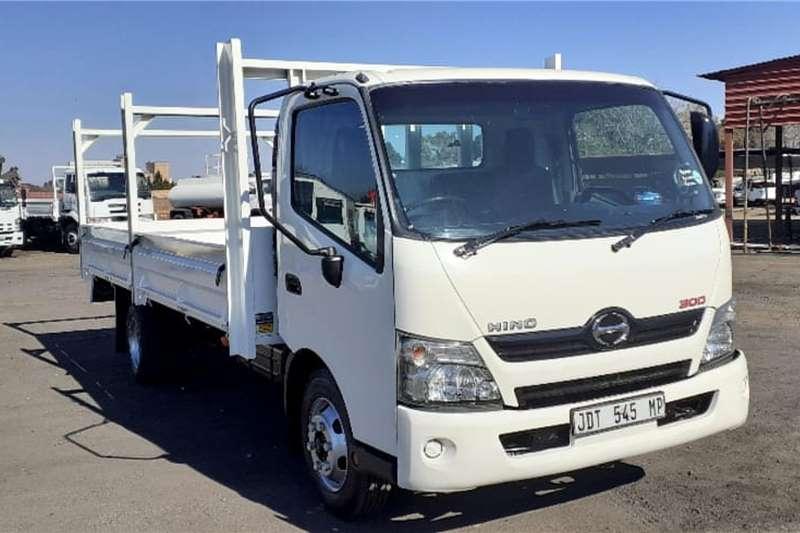 Hino Truck HINO 300 915 DROPSIDE 2016