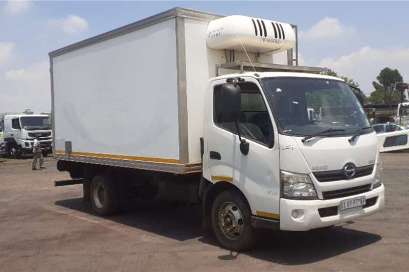 Hino Truck HINO 300 915 FRIDGE BODY TRANSFRIDGE UNIT 660KV 2012