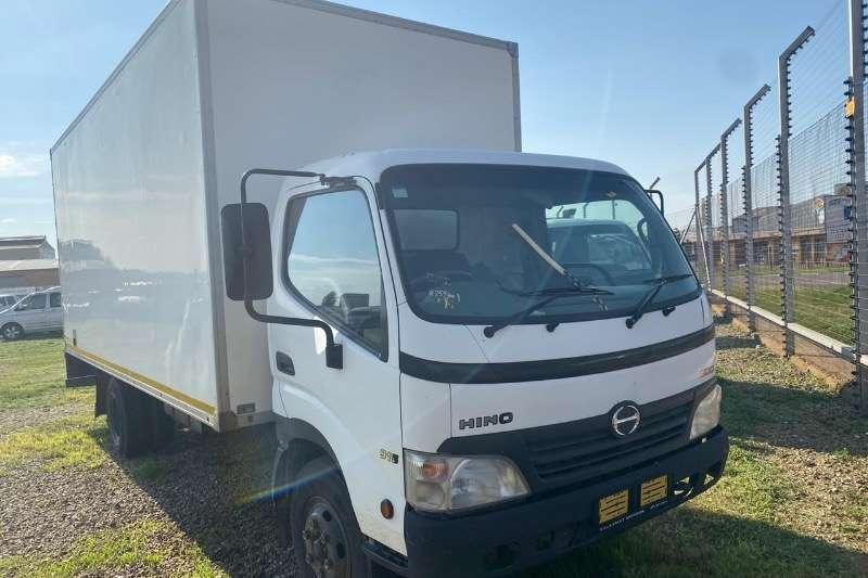 Hino Truck Hino 300 915 R249000 2010