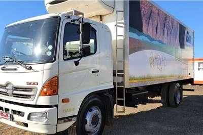 Hino HINO 500   1324 FRIDGEBODY Truck