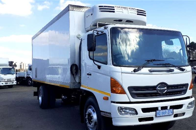 Hino Truck HINO 500 15257 THERMOKING FRIDGE BODY 2005