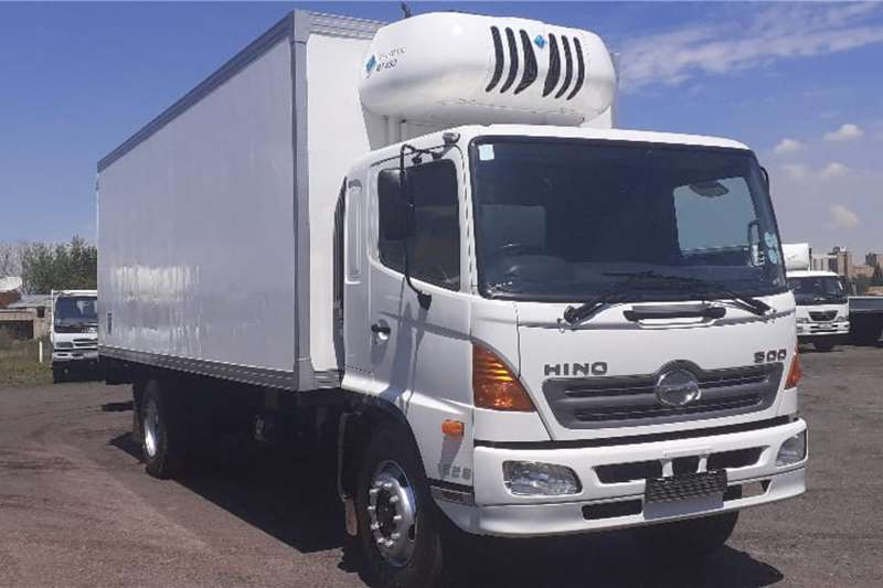 Hino Truck HINO 500 1626 THERMOKING FRIDGE BODY 2012