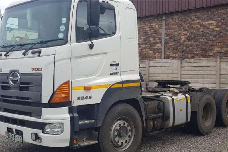 Hino Truck Hino 700 series 28 45 Truck Tractor 6x4 2014