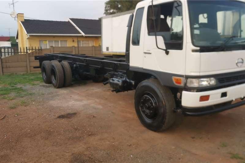 Hino Truck Hino Ranger 6x2 16 237 2003