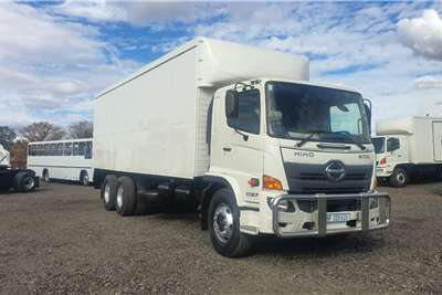 Hino HINO VAN BODY 500 1627 Truck