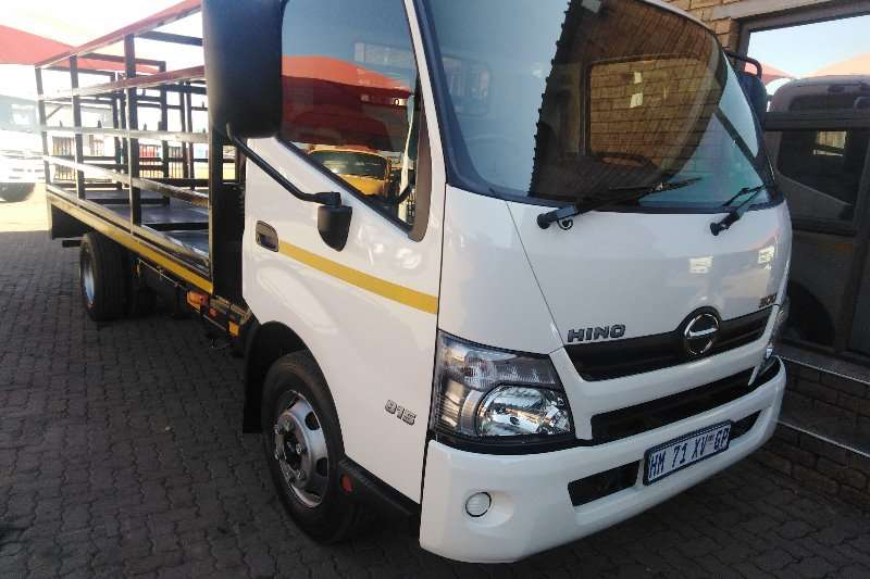 Hino Other 300 815 4 TON WITH GAS CYLINDER BODY Truck
