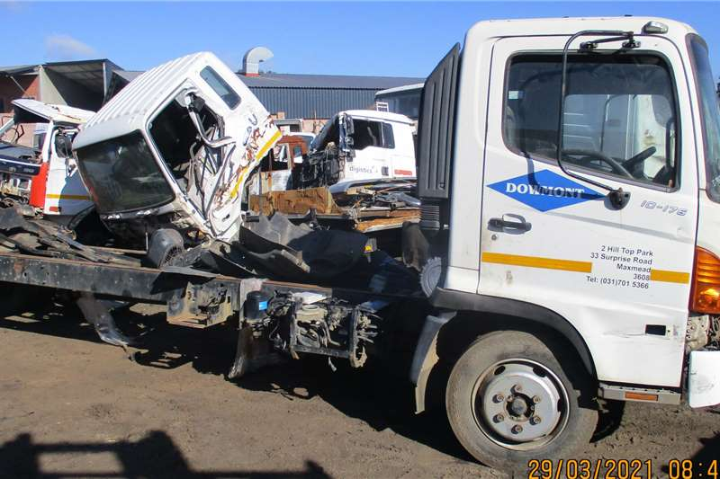 Hino 500 10 176 STRIPPING OR SELLING AS IS Truck spares and parts