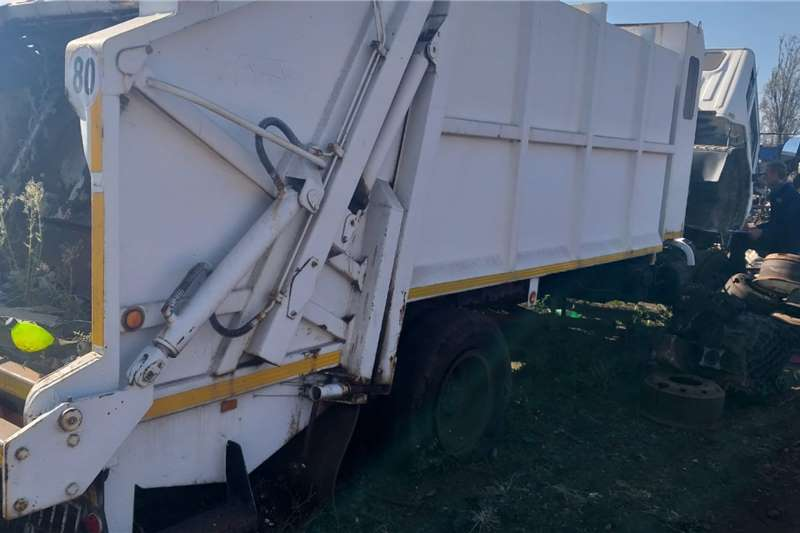 Hino Toyota Hino FG Refuge Compacter 4x2 Stripping for Truck spares and parts