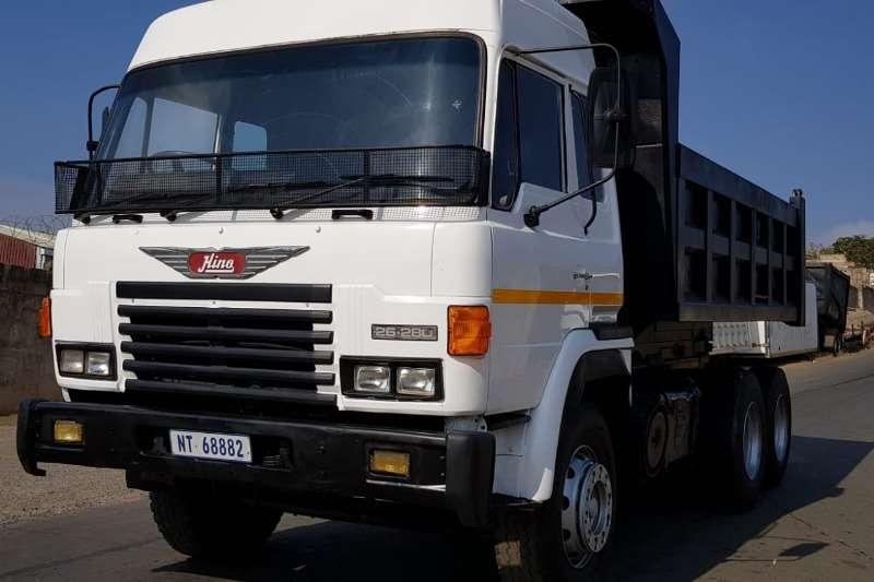 Hino Truck Tipper 26 280 10m3 tipper 1988