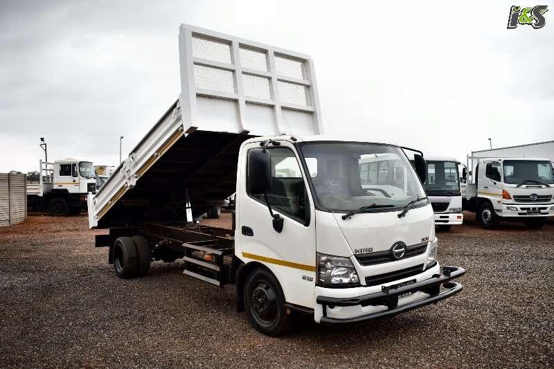 Hino Truck Tipper 300 815 Series 2015