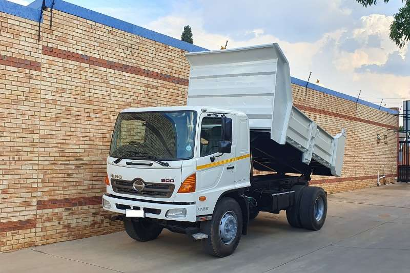 Hino Truck Tipper 500 1726,WITH 6 CUBE DROPSIDE TIPPER BODY 2011