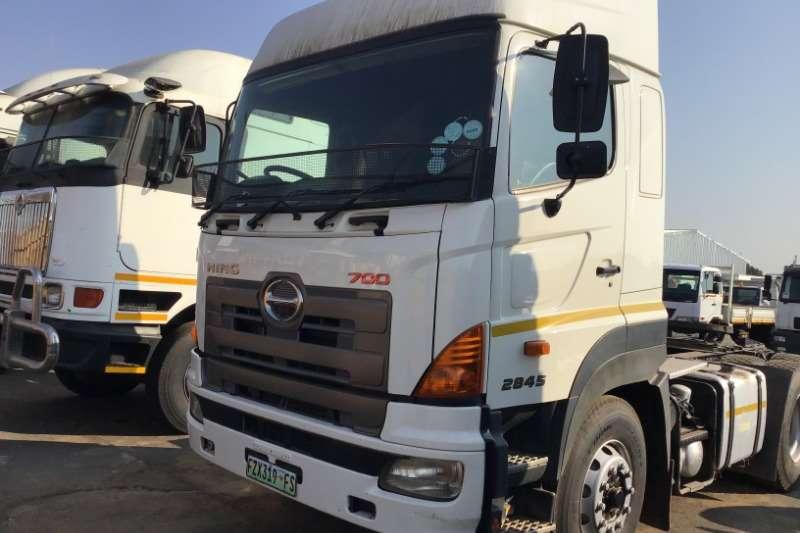 Hino Truck-Tractor Double Axle 2013 Hino 700 2845 2013