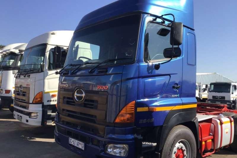 Hino Truck-Tractor Double axle 2014 Hino 700 2845 2014