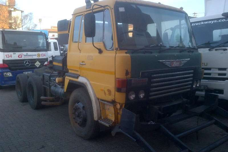 Hino Truck-Tractor Double Axle 55.380 1987