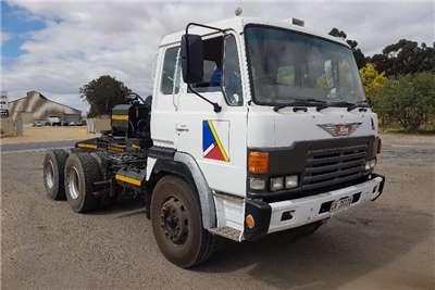 Hino Truck-Tractor Double Axle Hino 55.350 1993