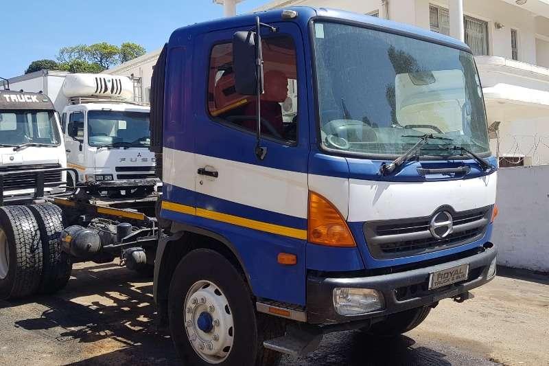 Hino Truck-Tractor Single axle 500   33 254 2007