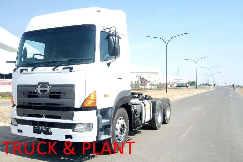 Hino Truck tractors Double axle 700 TRUCK TRACTOR 2010