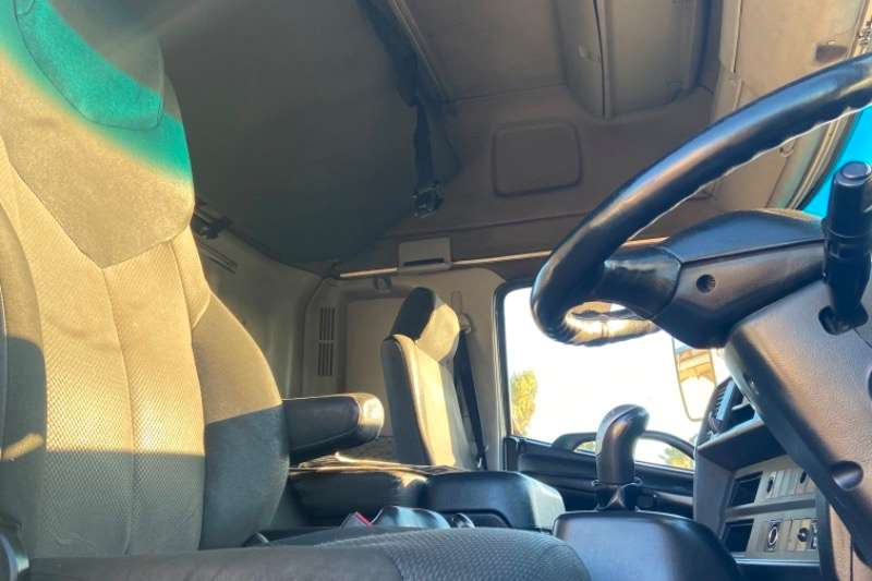Hino Hino 700 2845 horse for sale Truck tractors