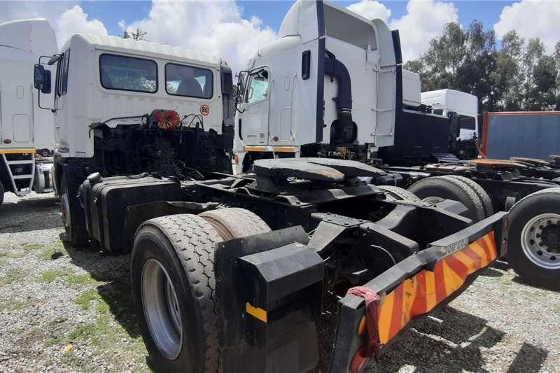 Hino Single axle 2003 Hino 45 350 Truck tractors