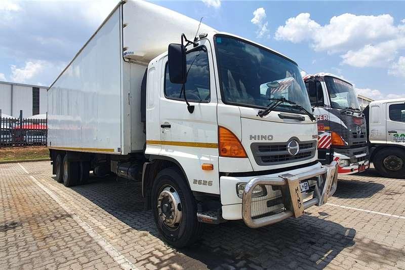 Hino Truck Van body Hino 2626 2016