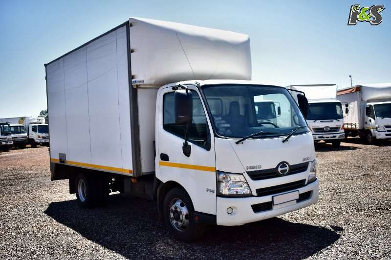 Hino Truck Volume body 300 714 Series 2013