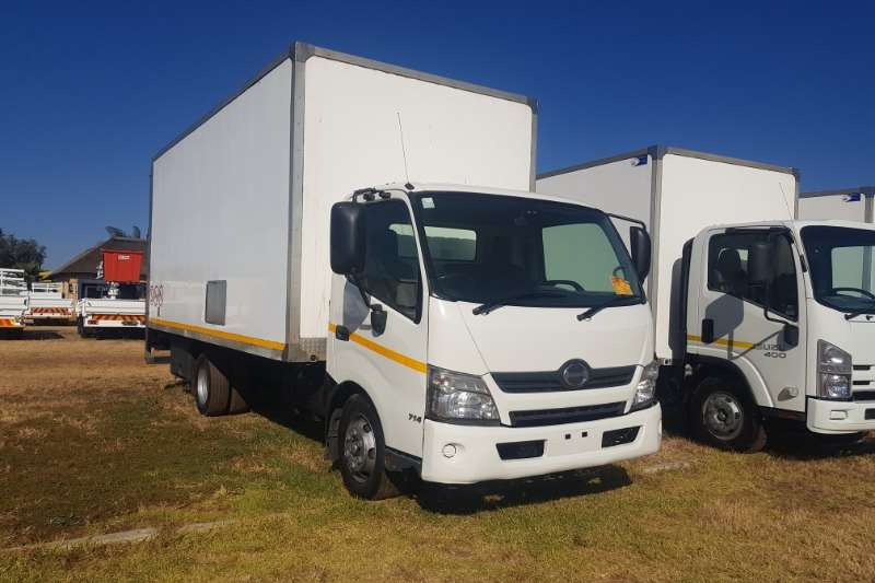 Hino Truck Volume Body 300-714 (With Tail Lift) 2012