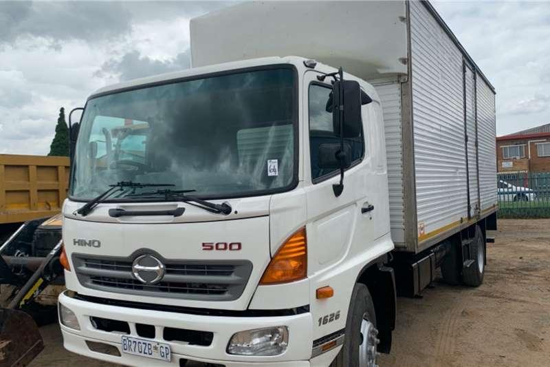 Hino Truck Volume body 500 1626 2012