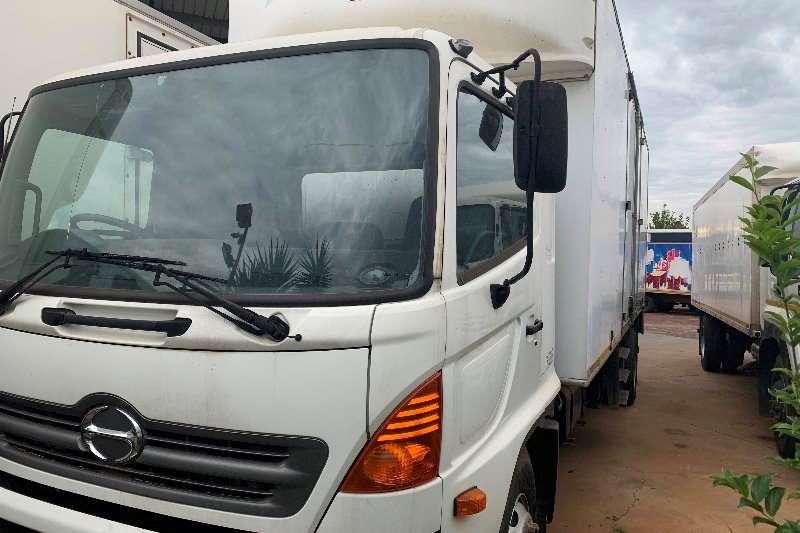 Hino Truck Volume body 500 1626 F/C 8 Ton Volume Van 2013