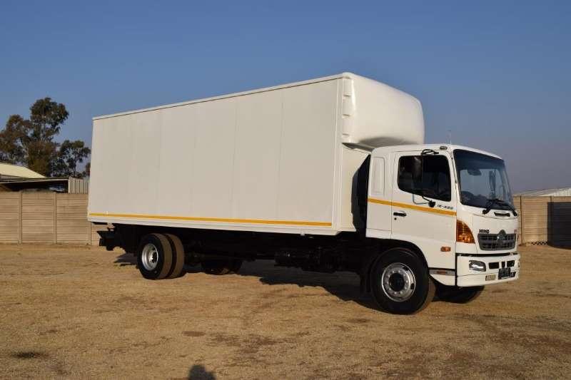 Hino Truck Volume body 500 Series 15 258 2009