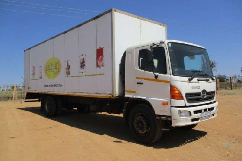 Hino Truck Volume body HINO 500 1626 VOLUME BODY 2010