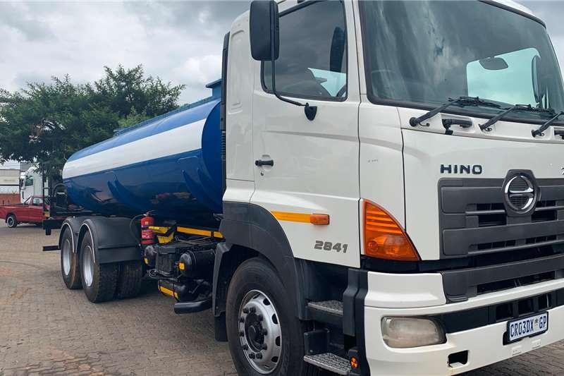 Hino Truck Water tanker HINO 700 2841 WATER TANKER 2013
