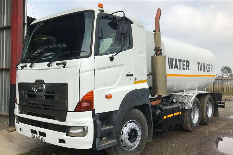 Hino Water bowser trucks 2008 Hino 700 57 450 16000L water tank 2008