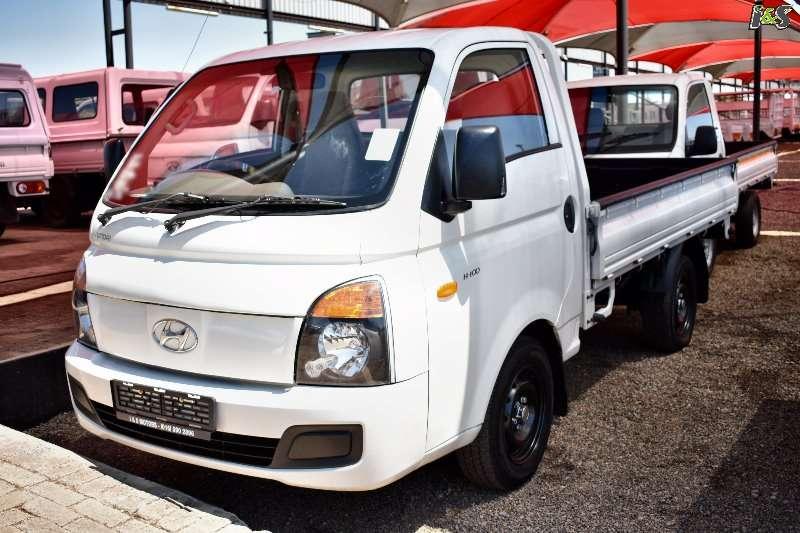 Hyundai Dropside trucks H100 2010