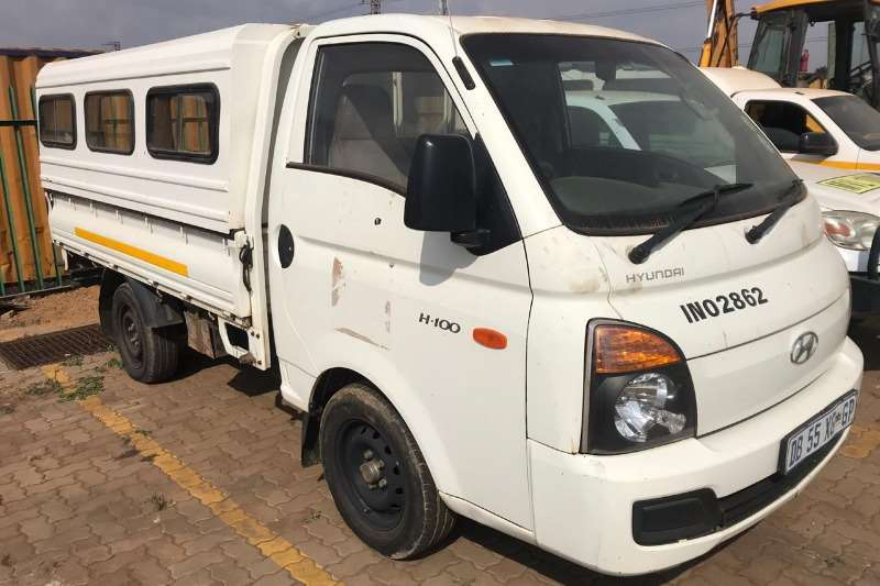 Hyundai LDVs & panel vans H100 with Canopy 2014