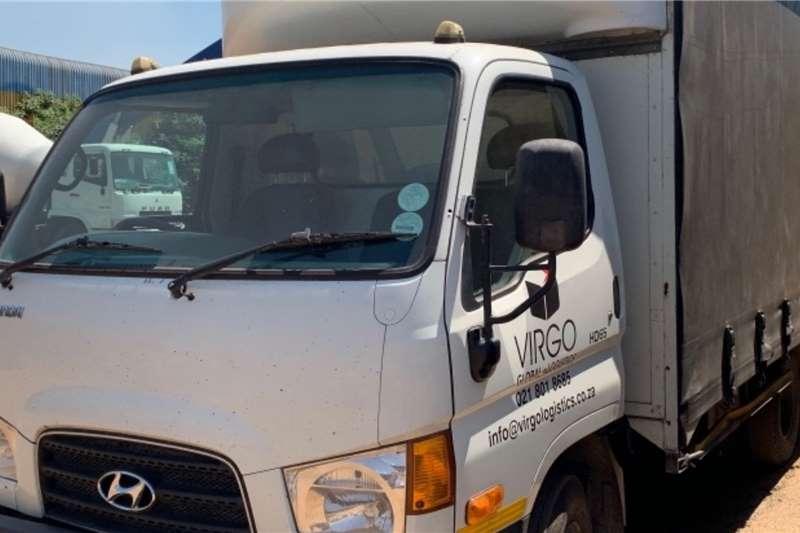 Hyundai LDVs & panel vans HD65 TAUTLINER 2014